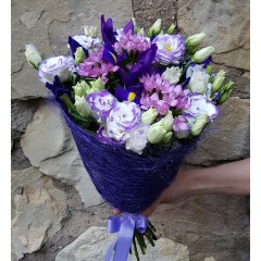 Lisianthus with iris